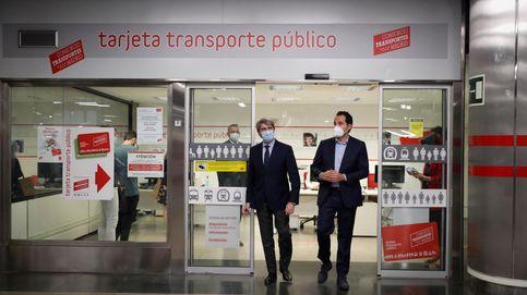 Garrido pide a Sanidad que prohíba comer en Metro y autobuses para evitar contagios