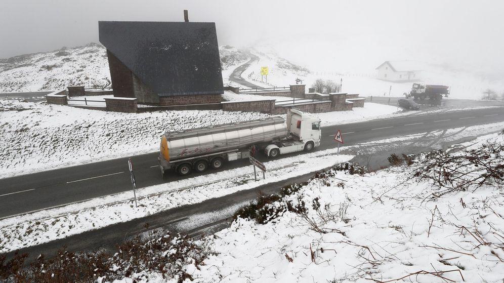 Foto: Un paraje nevado en Navarra. (EFE)