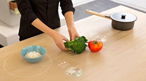 Foto: Ikea presenta una mesa de cocina que reconoce alimentos (y dice cómo cocinarlos)