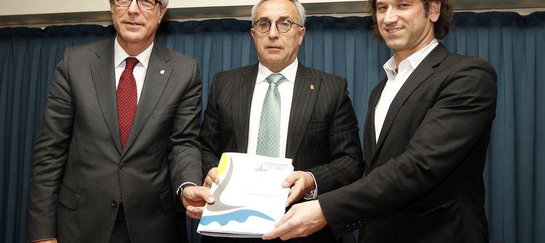 Foto: Josep Felix Ballesteros, Alejandro Blanco y Ramón Quadrat durante el acto (COE).