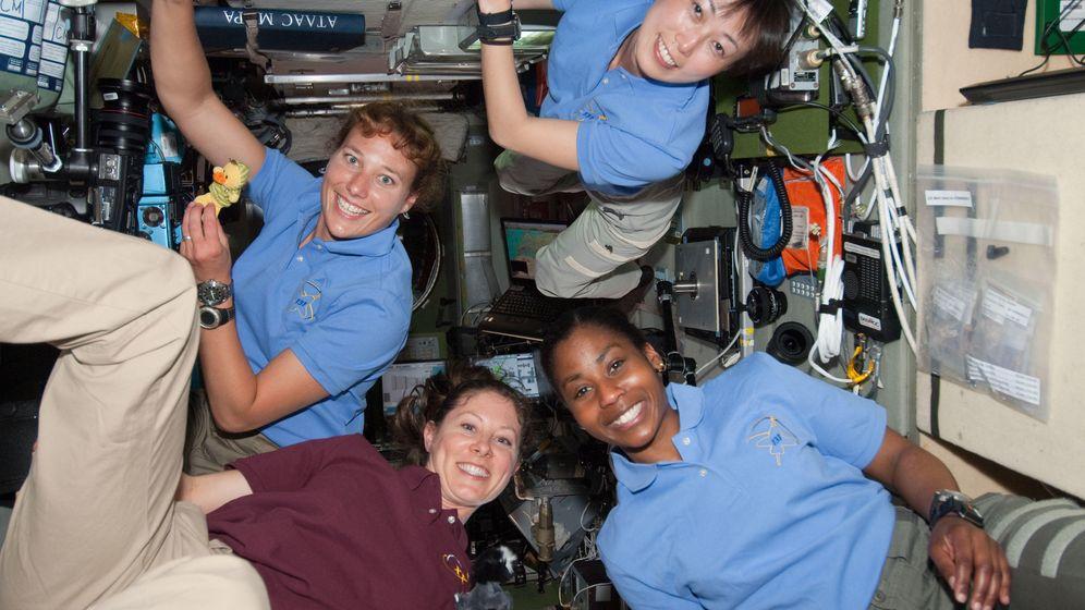 Foto: En sentido de las agujas del reloj: Dorothy Metcalf-Lindenburger, Naoko Yamazaki, Stephanie Wilson y Tracy Caldwell