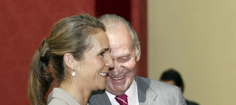 Foto: La infanta Elena junto a su padre, el rey don Juan Carlos (I.C.)