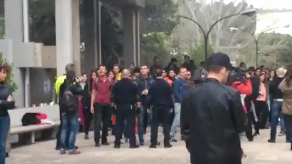 Batalla campal en Barcelona entre grupos de ultraderecha y antifascistas