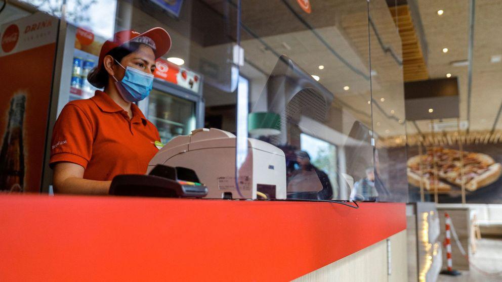 La CAM estudia alternativas a los menús 'fast food' que reparte a los niños vulnerables
