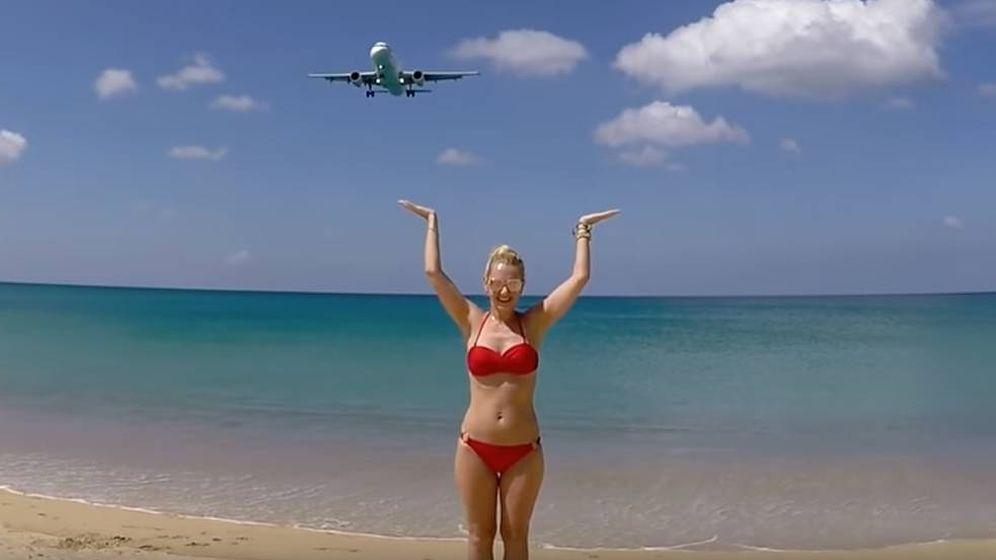 Foto: Una de las típicas instantáneas en la playa de Mai Kaho. (CC)