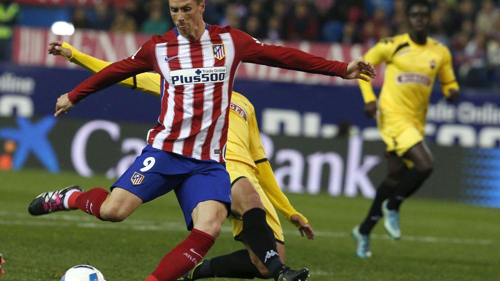 La afición del Calderón rinde tributo y comienza a despedirse de Torres