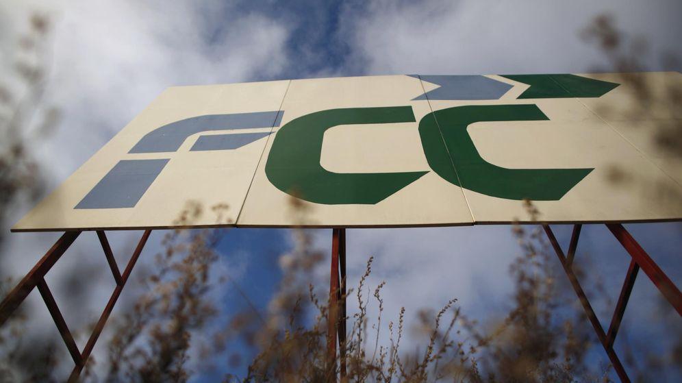 Foto: Señal de FCC en unas obras de la constructora (Reuters)