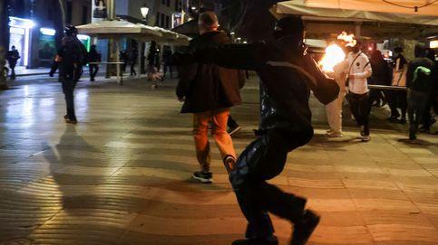 Nueva noche de disturbios en Barcelona con trece detenidos en las protestas por Hasél