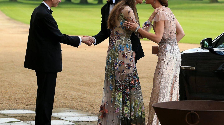 Los duques de Cambridge con Rose y David en 2016. (Getty)