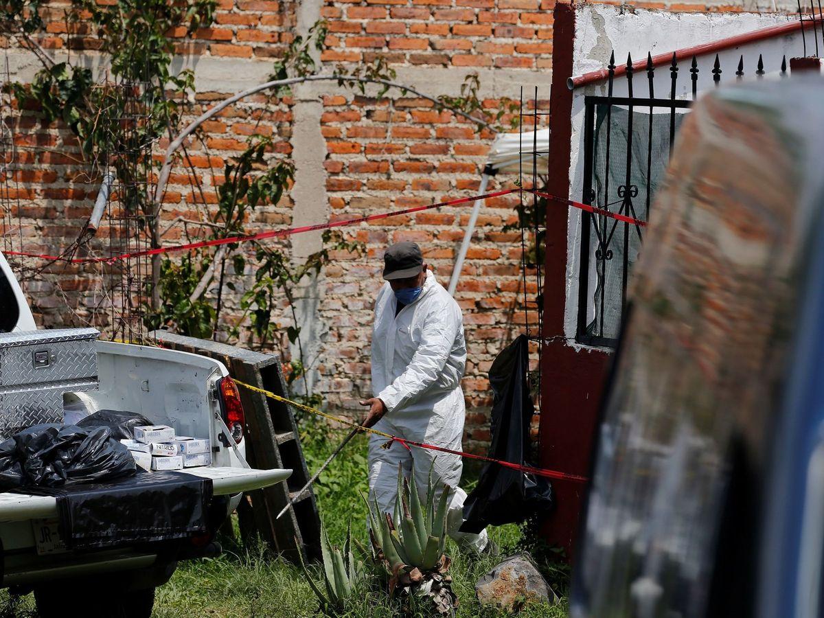 Foto: Identifican 113 cuerpos en una fosa clandestina en Jalisco. (EFE)