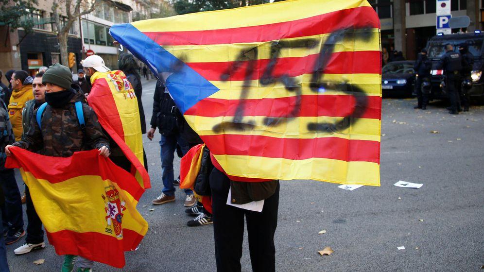 Foto: Una bandera con el número 155. (Reuters)