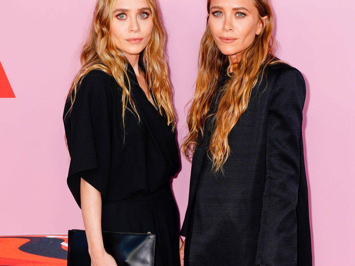 Foto: Mary-Kate y Ashley Olsen, en los CFDA Fashion Awards. (Getty)