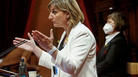 Dimisiones, técnicos apartados y falta de medios: la Generalitat naufraga con el covid