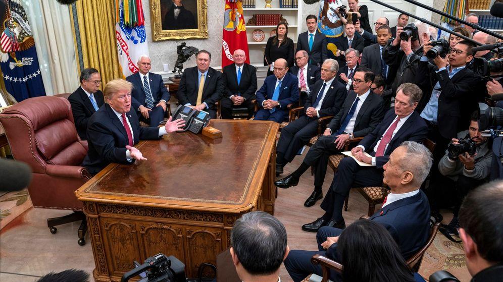 Foto: El presidente Trump recibe al viceprimer ministro de China, Liu He, en el Despacho Oval, el 31 de enero de 2019. (EFE)