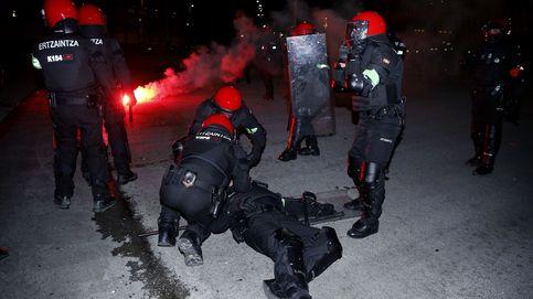 Enfrentamientos entre la Ertzaintza y los aficionados rusos antes del Athletic-Spartak