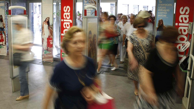 Foto: El consumo siguió tirando del PIB (Efe)