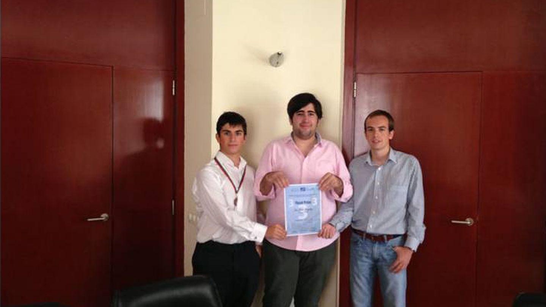 Álvaro Franco Guisasola, en el centro, en unas olimpiadas matemáticas.