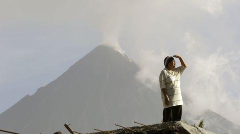 El vídeo que muestra cómo el volcán filipino Mayón ha entrado en erupción