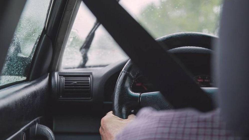 Foto: Siempre se debe tener bien abrochado el cinturón y colocado el reposacabezas a la medida exacta. (Foto:Pixabay)