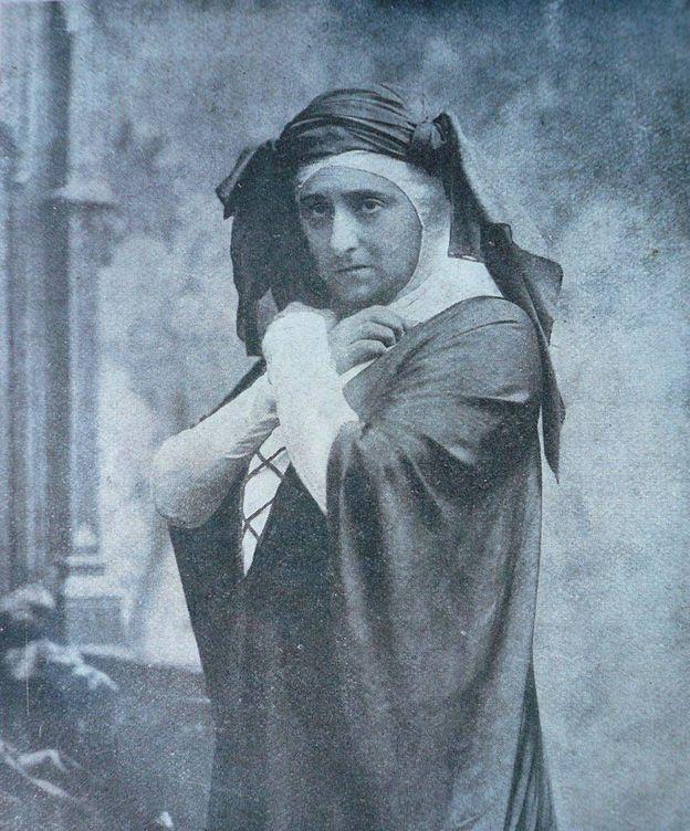 Foto: María Guerrero caracterizada en 'Doña María la Brava', de Marquina, en 1909.
