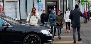 Post de Esto es lo que pasa en Rusia cuando paras tu coche sobre un paso de cebra
