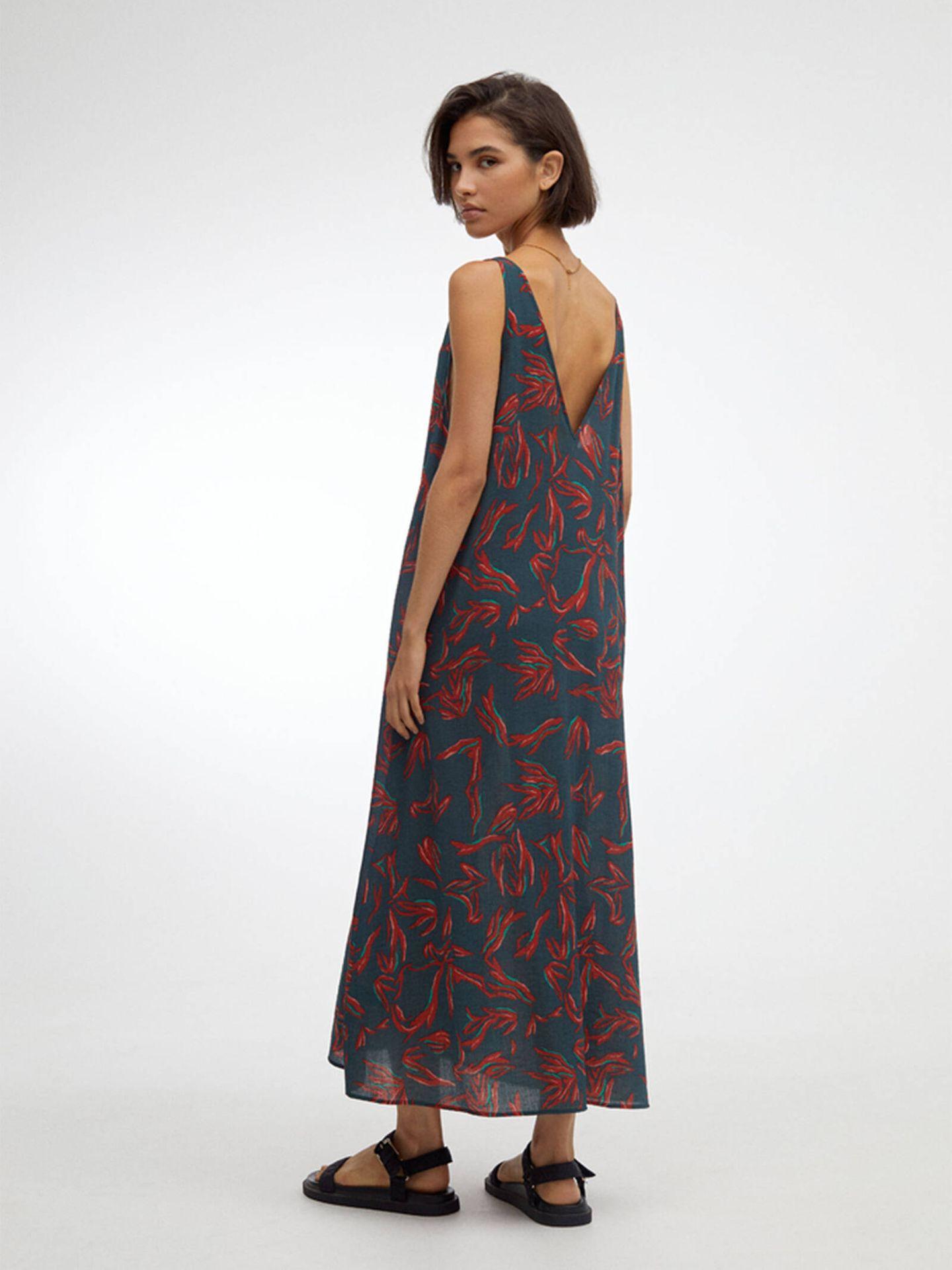 El vestido de las novedades de Parfois para blindar nuestro armario otoñal. (Cortesía)