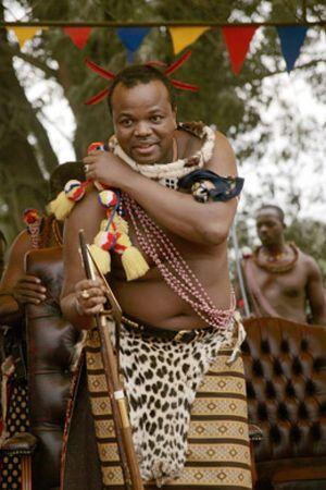 El FMI obliga al último rey de África a suspender su fiesta de 1,2 millones