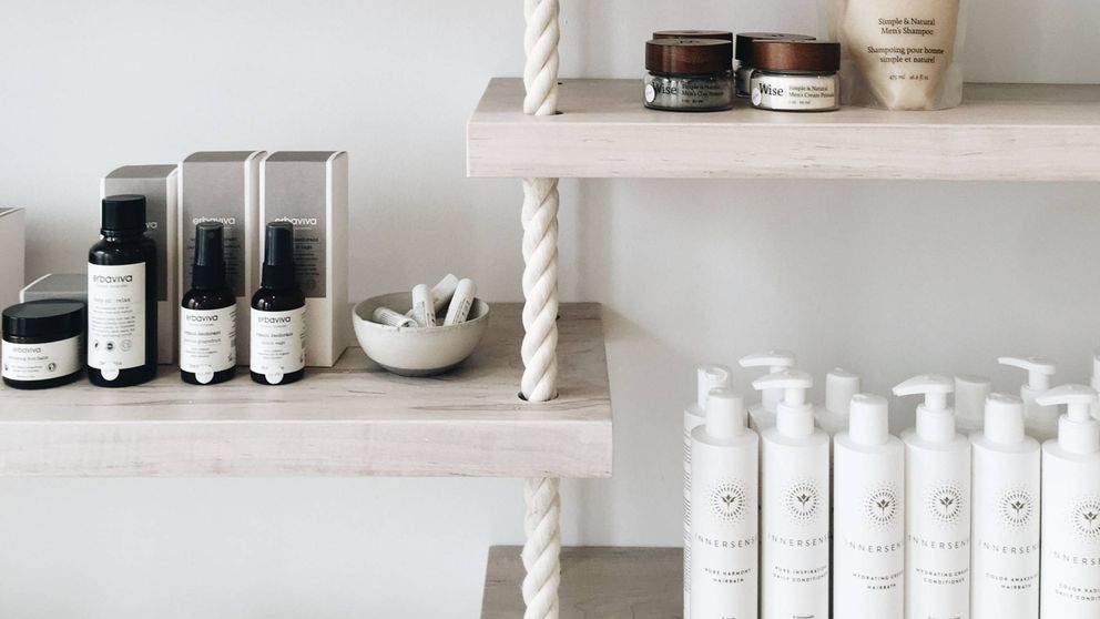 Sérum, hidratante, base de maquillaje... ¿De verdad hacen falta tantas cremas?