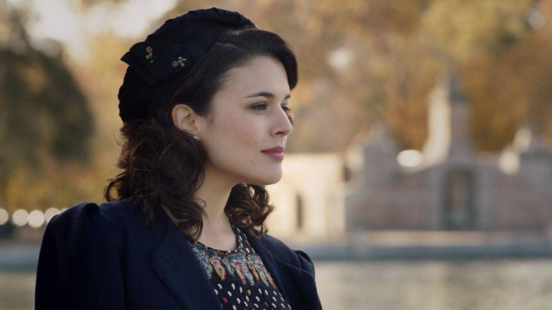 Adriana Ugarte, en 'El tiempo entre costuras'. (Atresmedia)