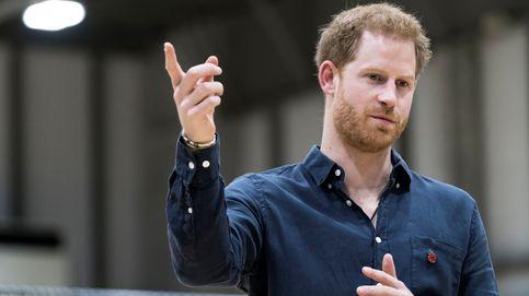 El príncipe Harry lo da todo en Tokio sin Meghan (y presume de anillo de casado)