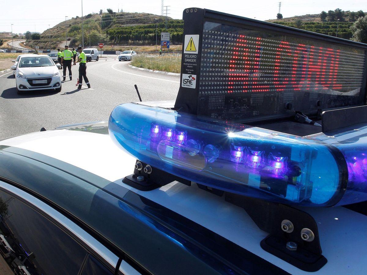 Foto: El control policial no permitió al hombre llegar hasta Alicante (EFE)