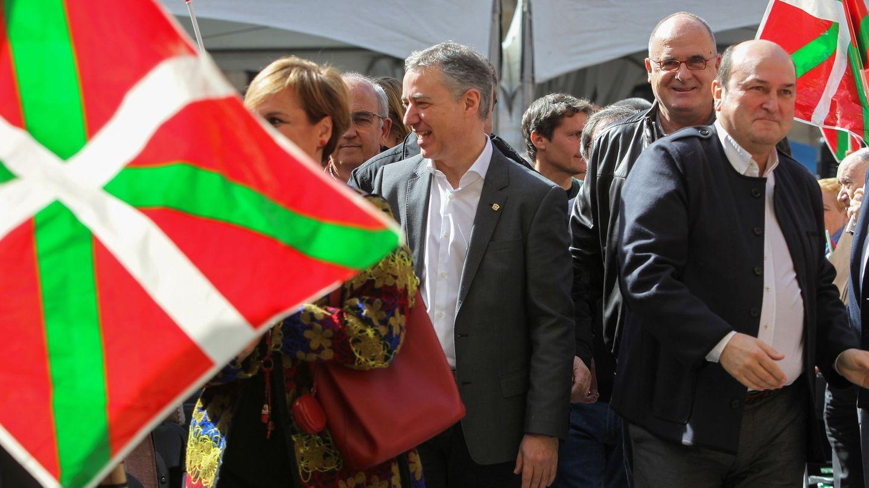 El presidente del PNV, Andoni Ortuzar (d), y el lendakari, Iñigo Urkullu. (EFE)
