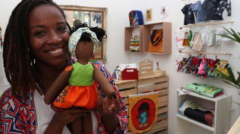 Muñecas negras para promover la diversidad