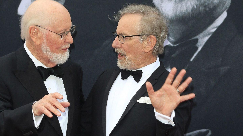 John Williams y Steven Spielberg, en los premios del Instituto de Cine Americano (AFI) en 2016. Una amistad de lo más productiva desde hace décadas. (Getty)