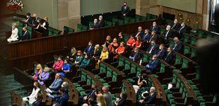 Post de Diputadas forman bandera arcoíris en la toma de posesión del presidente polaco