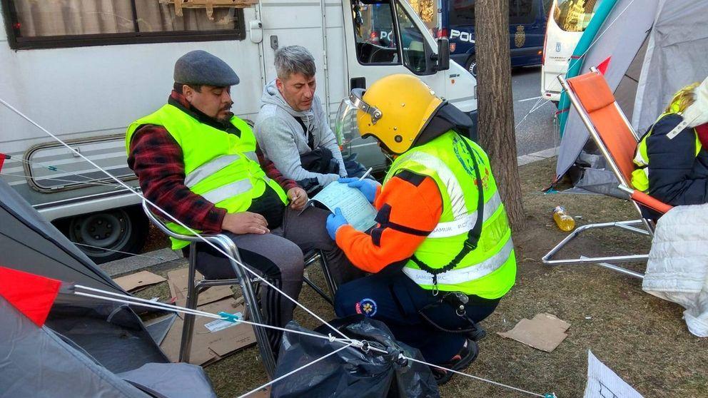 Taxistas denuncian que compañeros en huelga de hambre han resultado heridos