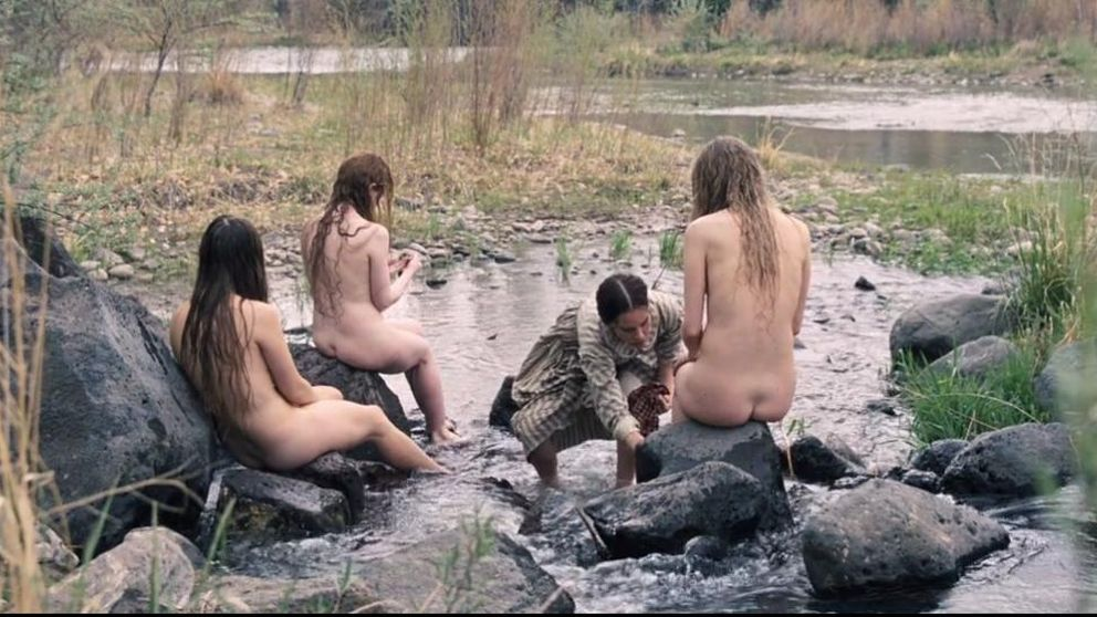 Tommy Lee Jones vuelve tras la cámara con un western feminista