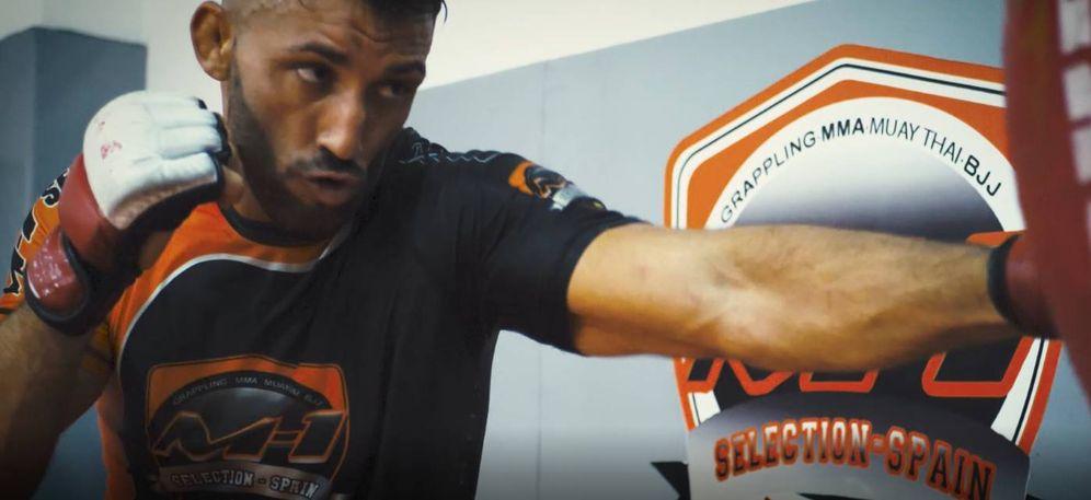 Foto: Enoc Solves entrenando en su gimnasio de Valencia.
