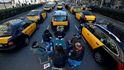 El triunfo del taxi nos puede costar hasta 4.000 millones (pero nadie quiere pagar)