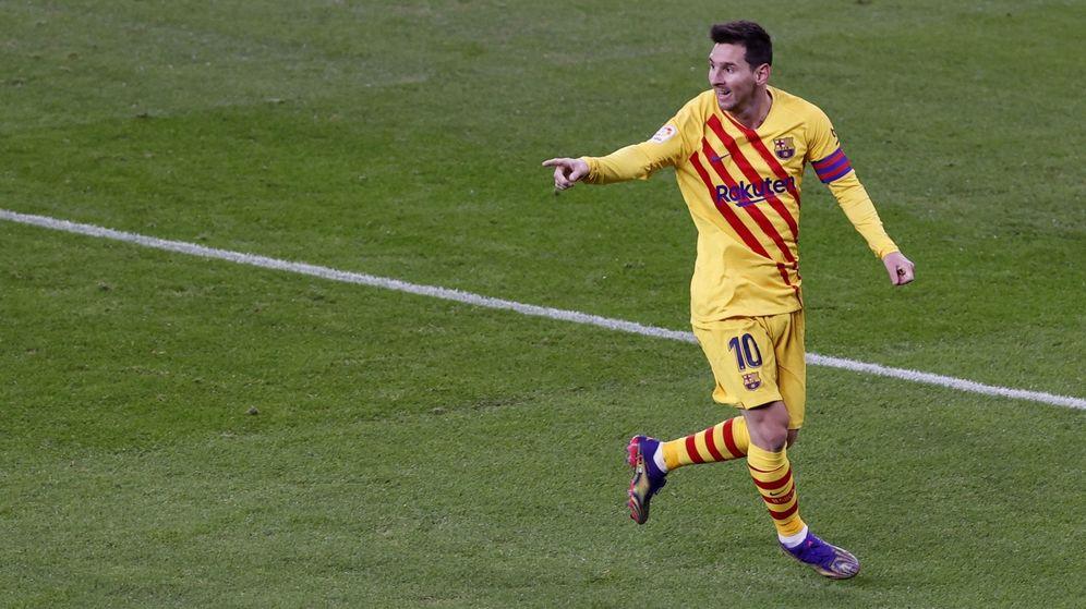 Foto: Leo Messi celebra su gol al Athletic Club en San Mamés. (EFE)