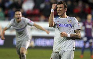 Un mosqueado Mandzukic saca en Eibar su rabia a golpe de gol