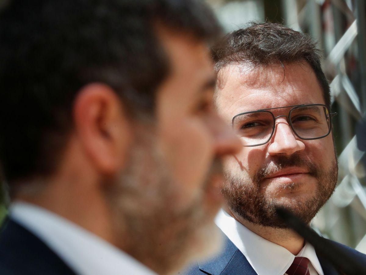 Foto: Aragonès (ERC) y Sànchez (Junts), durante un acto en Barcelona. (Reuters)