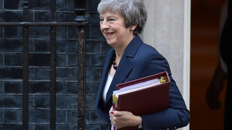 Theresa May o cómo ir vestida a tu (posible) funeral como política