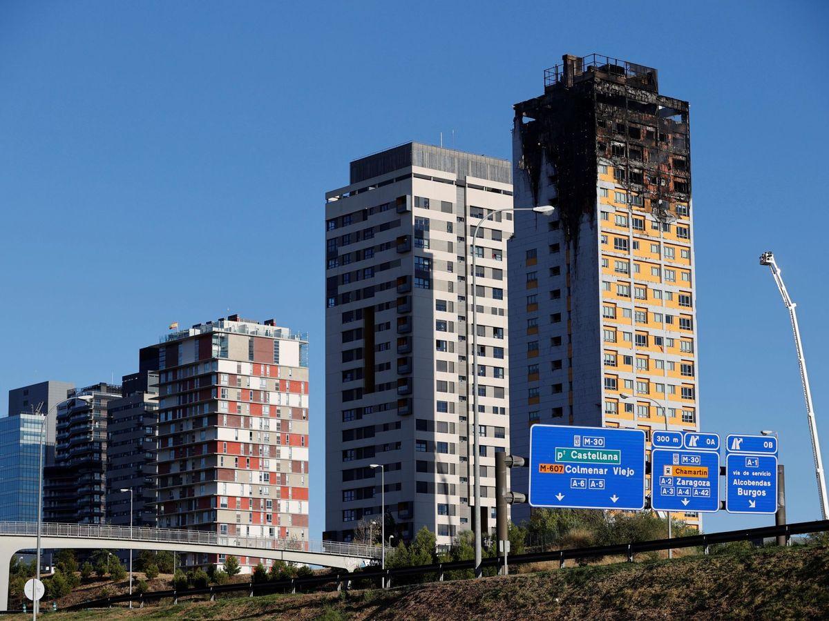 Foto: Vista general de la torre incendiada, en una fotografía de agosto de 2020. (EFE)
