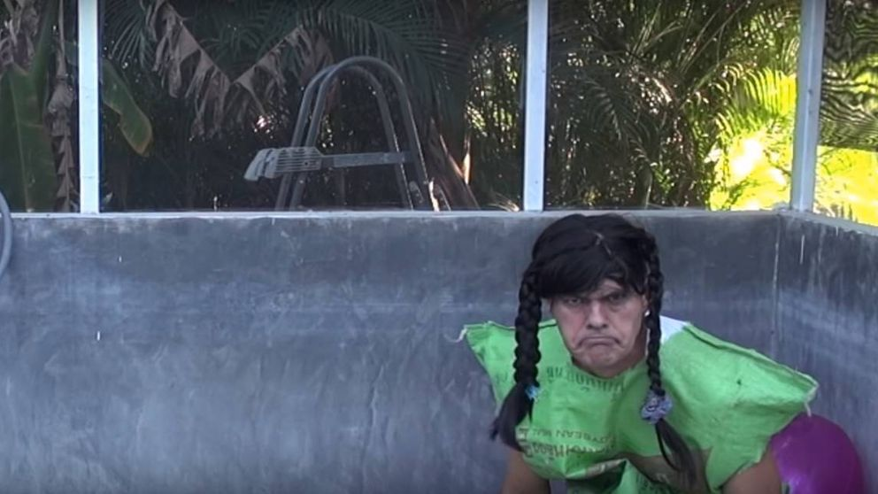 Frank Cuesta parodia a Greta Thunberg como un bicho raro que vive donde haya pasta