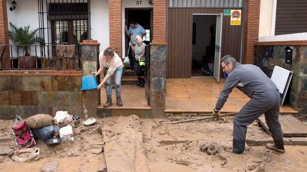 Foto: La UME desplegó esta semana 85 militares y 35 vehículos en zonas inundadas de Málaga- (EFE)