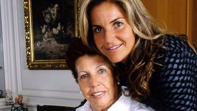Arantxa Sánchez Vicario y su madre, Marisa. (EFE)