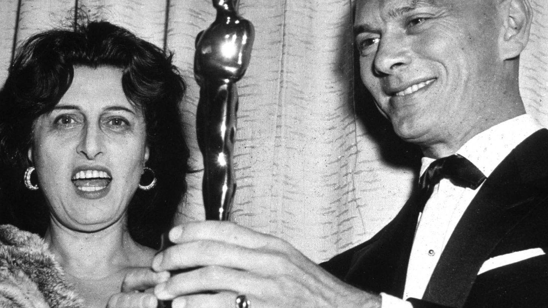 Anna Magnani fue la encargada de entregar el Oscar a Yul Brynner por 'El rey y yo'. (Cordon Press)
