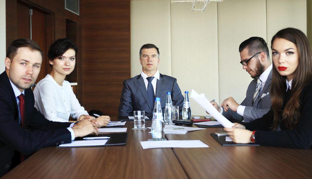 Foto: ¿Este tipo de trabajadores tienen los días contados? Bueno, salvo el jefe. (iStock)