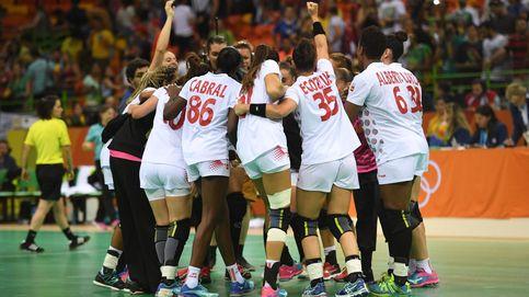 España vence ante Montenegro tras una lección defensiva